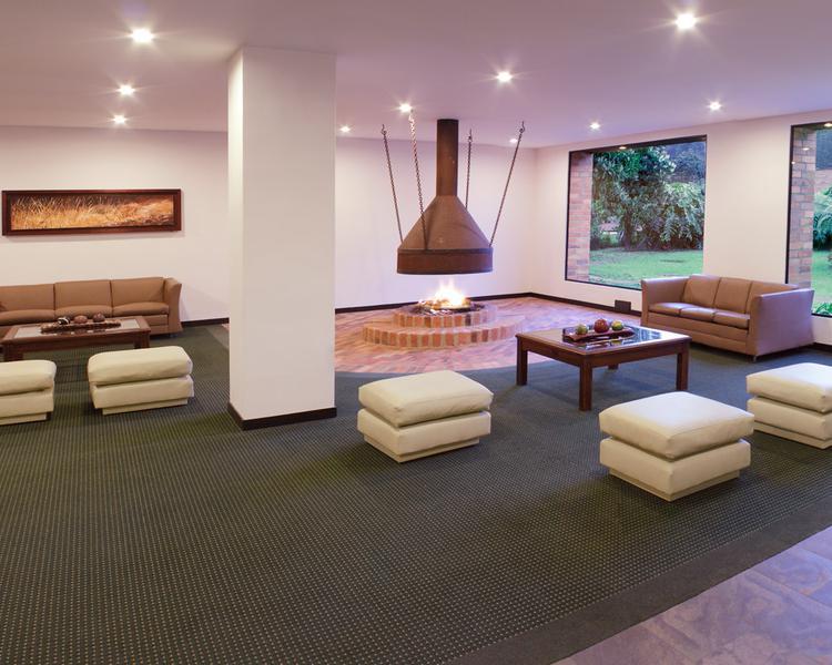 LOBBY ESTELAR Recinto del Pensamiento Hotel & Centro de Convenciones